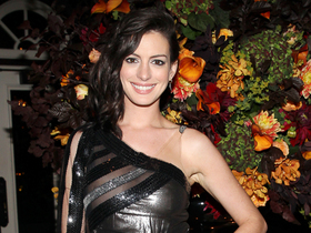 Anne hathaway the intern party article
