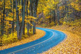 Shenandoah national park autumn road.ngsversion.1456842547719 article