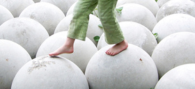 Childwalksonspheres article