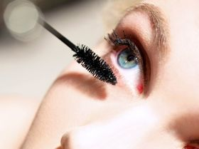 Waterproof mascara  article