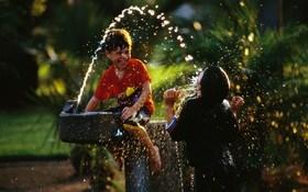 Fun kids playing water hd wallpaper 1680x1050 article