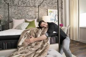 Jonathan scott hugging lux estate in edgy glam room 468980391e600f80b505e94923cc5808.today inline large article