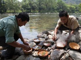 Stone soup cooking by river bdesrus 2000x1500 article