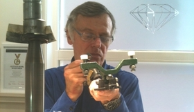 Amsterdam diamond polishing costers diamonds masterclass 7 author at work landscape article