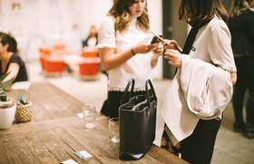 Career contessa volunteer to find new job 1 article