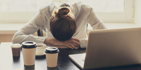 6 reasons why you need to take a nap.istock header article