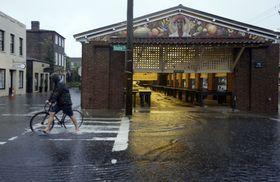 Charleston floodedcitymarket 1400 912 80 article