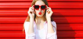 Beautiful lips 748x350zwivel article