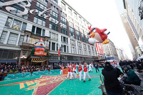 Angry birds red macys thanksgiving day parade by kent miller 768x511 article