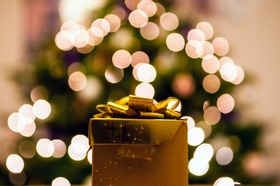 Gifts article