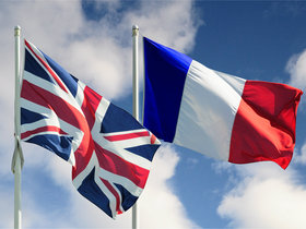Uk french flags article