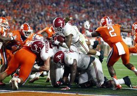 Derrick henry drives into end zone 770x539 article