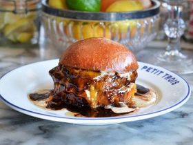 Fn los angeles burger restaurants petit trois s4x3.jpg.rend.snigalleryslide article