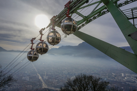 01 grenoble cable cars up the bastille article