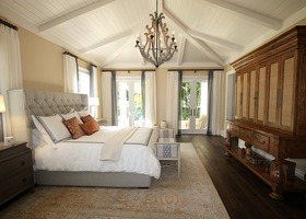 Bedroom 1281580 640 article