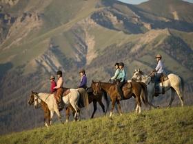 Getty jeffvanuga horsebackriding kidbucketlisttrips article