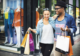 Couple shopping article