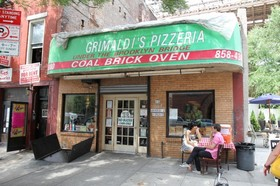 Grimaldis pizzeria nyc article