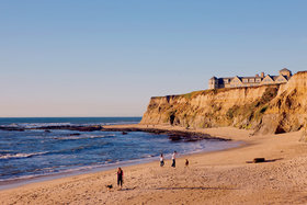 Sf getaways the ritz carlton half moon bay beach 1500x1000 article