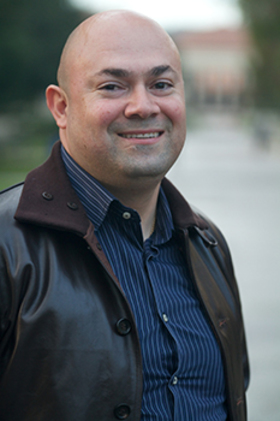 Randy jurado ertll headshot at occidental college.web article