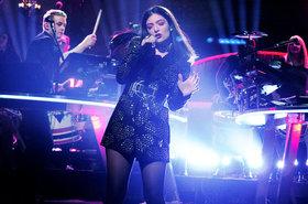 Lorde performs on snl 2015 billboard 1548 article