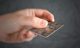 Paying with a credit card 1000x600 article