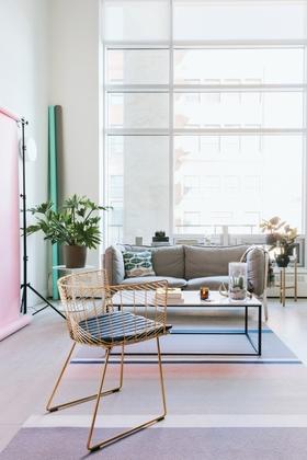 1 chris amat   living room article