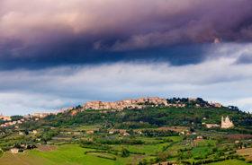 Montepulciano skyline 700x461 article