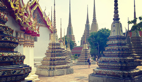Ftgblog spendingapefectweekendinbangkok stupa ericafirpo article