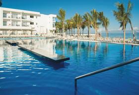 Jamaica pool view rooms at riu reggae credit riu resorts article
