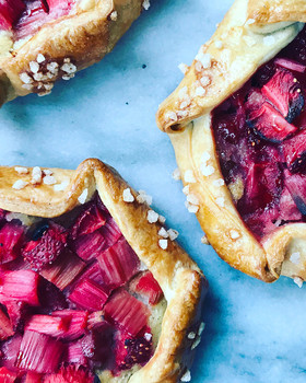 These summer dishes pair perfectly with rose 14 summer dishes that pair perfectly with rose pistachio raspberry rose tart 59271add537d1c0f3f78279b w1000 h1000 article