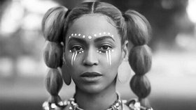 Lemonade 2016 002 beyonce with face paint black and white article