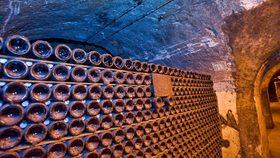 Sfd wine library cr randy romano istock 2520x1420 768x433 article
