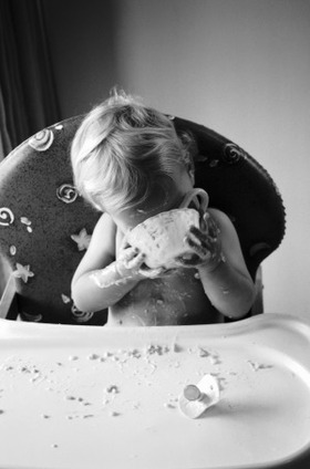 Baby eating messy article