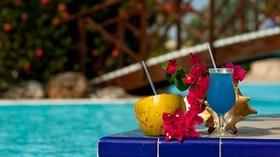 Drinks at pool sonesta maho article