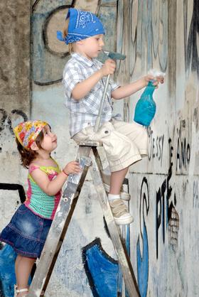 Kids volunteering article