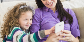 O parents on smartphones facebook article