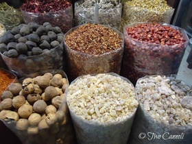 Souk spices1 800x600small01 article