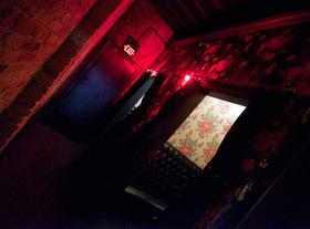 20120809 218035 midnight cowboy austin hallway article