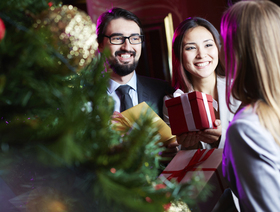 Gifting people not to forget article