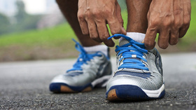 Tying running shoes article