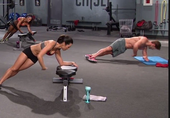 15 of the Best Core Exercises From Beachbody Programs Side Arm Twist