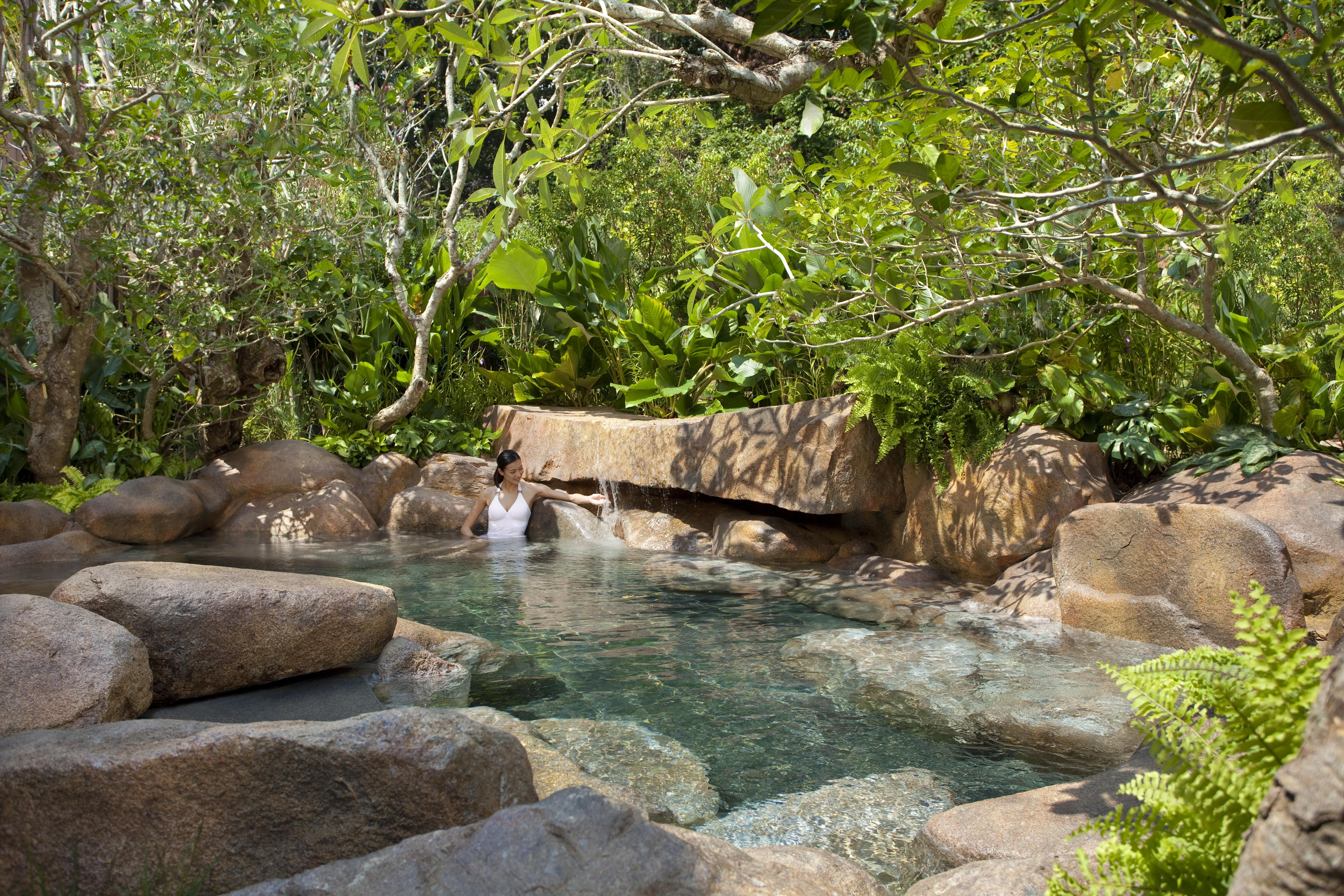 Espa onsen style pool