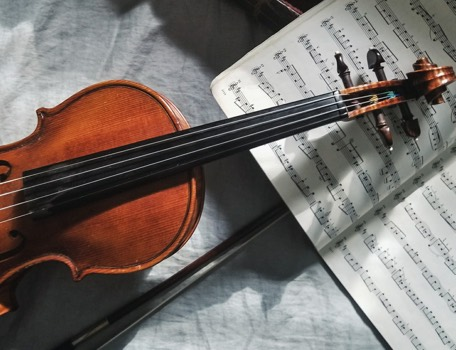 Violin unsplash 456x350