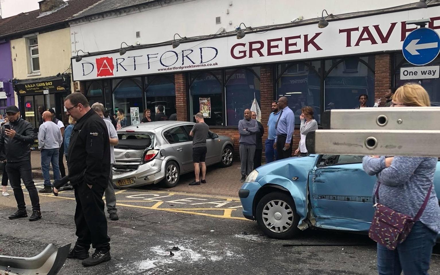 Ecsimgdartford bus crash pics tony brown  284 29 5805131766509116766