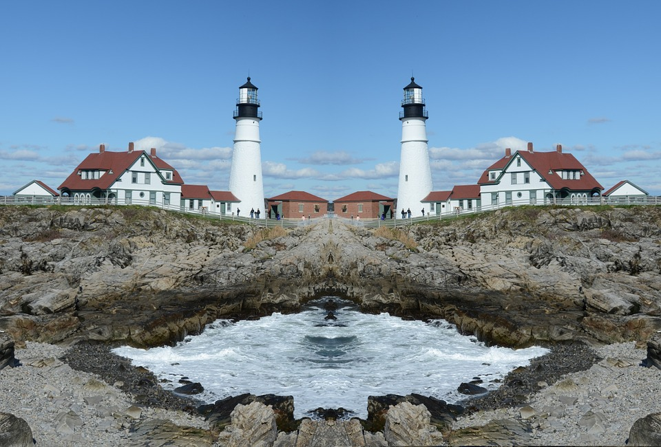 Bilingual parallel texts lighthouses