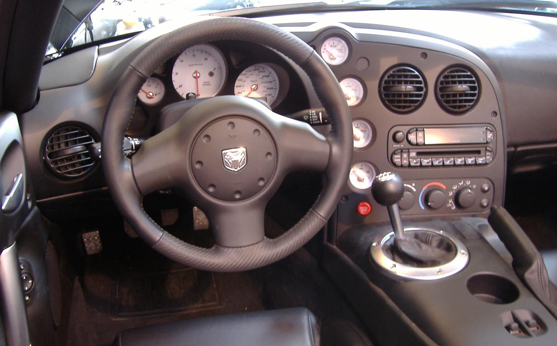 2010 Dodge Viper interior
