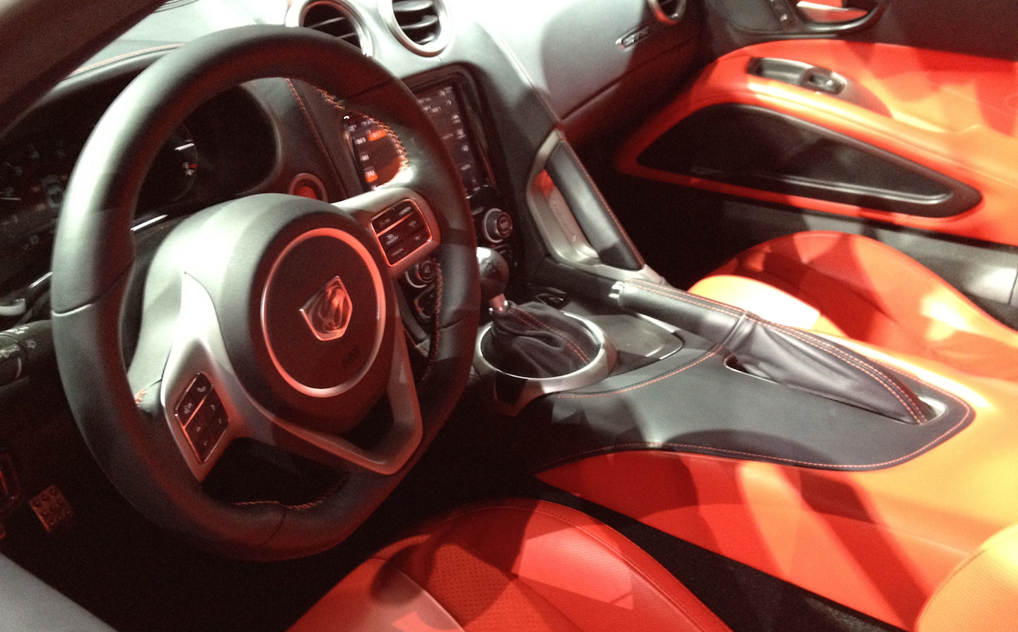 2013 Dodge Viper coupe interior