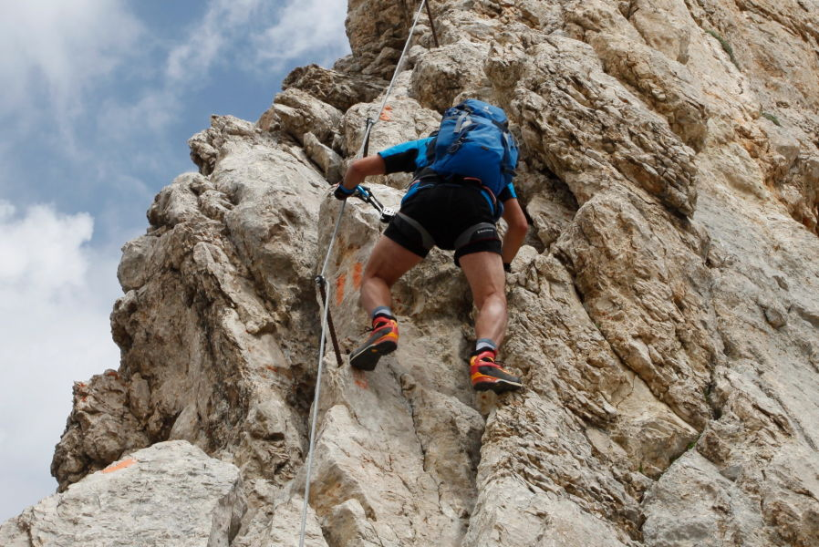 Le migliori scarpe da trekking per ogni tipo di escursione for Planimetrie da 4000 piedi quadrati