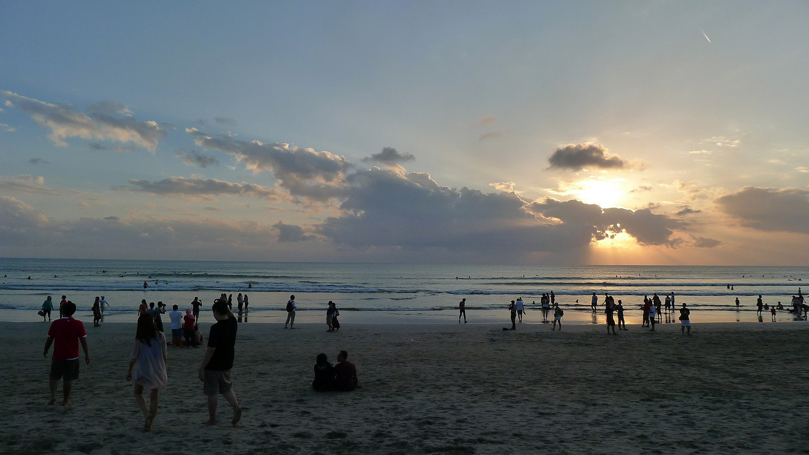 2048px-Bali_-_Sunset_at_Kuta_Beach.JPG?1537782267